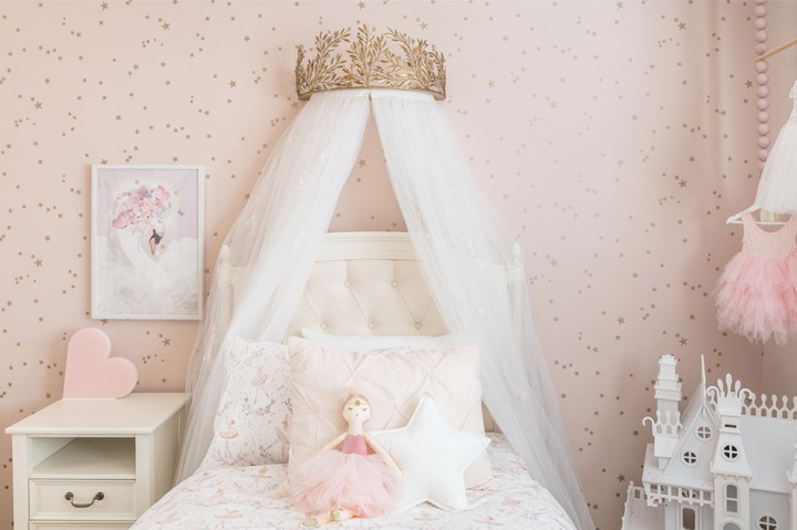 The Prettiest and Pinkest Girly Bedrooms